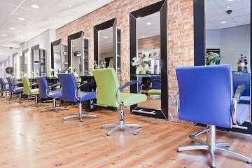Grace Hairstyling & Beautycenter - Gevestigd in Mondaine Haarmode