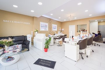 Heylee Nails & Beauty Lounge