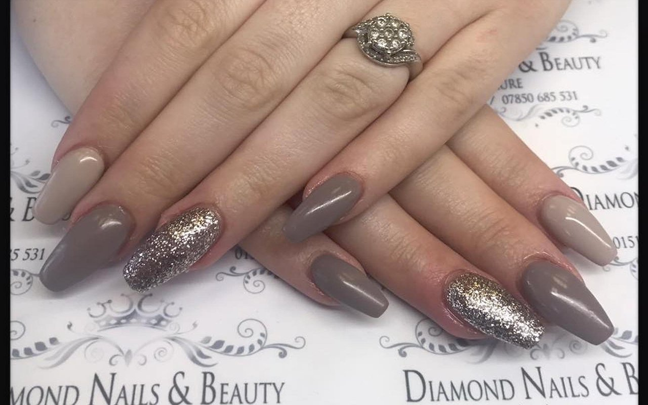 Unique Diamond On Nails Picture Motif - Nail Polish Ideas ...