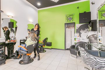 Moun's Unisex Hair Salon