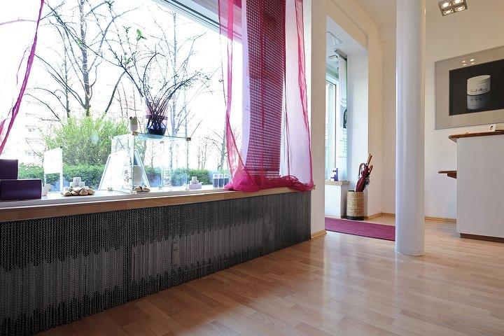 sugar bee beauty kosmetikstudio in schwabing m nchen treatwell. Black Bedroom Furniture Sets. Home Design Ideas
