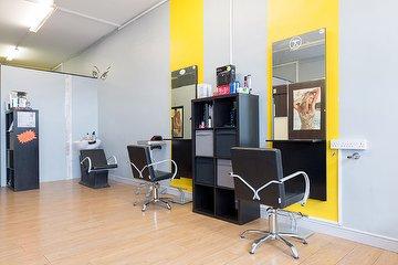 D10 Salon
