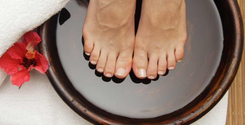 Deluxe Pampered Foot Treatment and Thermal Boots