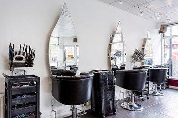 Chic Unique Unisex Hair Salon