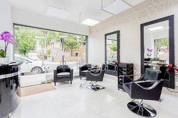 Leninha Hairdresser