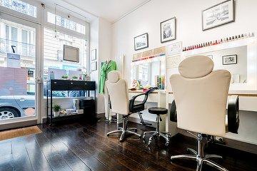 Stéphane Delahaye Hair Stylist à l'Espace TerraNova, Rue de Maubeuge, Paris