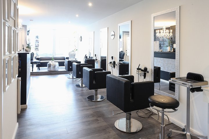 hairstylist and more by jenny friseur in bergedorf hamburg treatwell. Black Bedroom Furniture Sets. Home Design Ideas