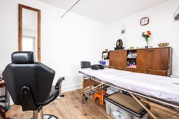 Aster Beauty Salon - Greenford