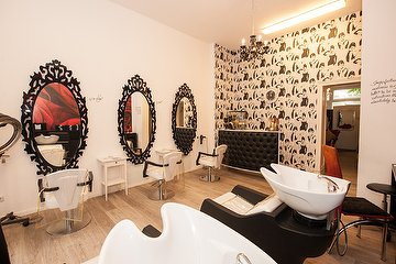 Aida Salon - only for woman