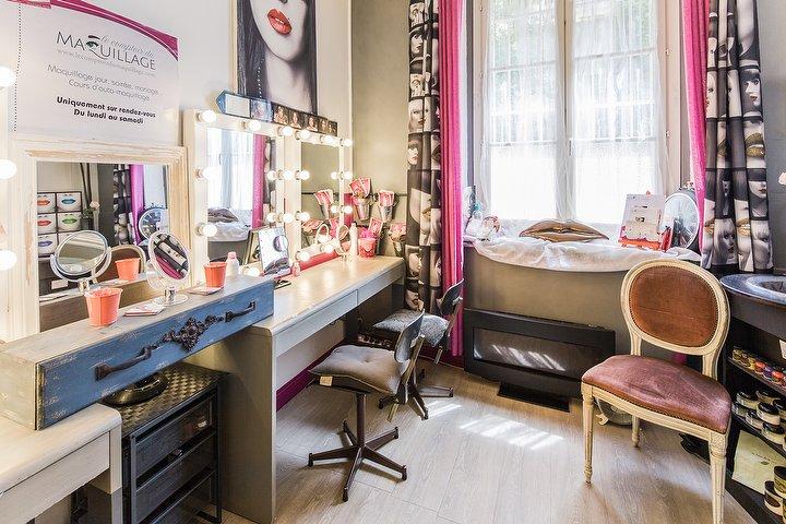 Salon De Maquillage