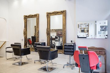 Amia-Beauty & Hair Salon