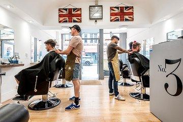 No.3 Gentleman's Hairdressing