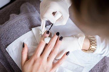 B H Nail Tech