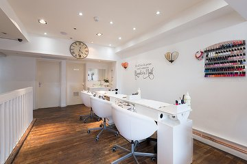 Chelsea nailbar and beauty