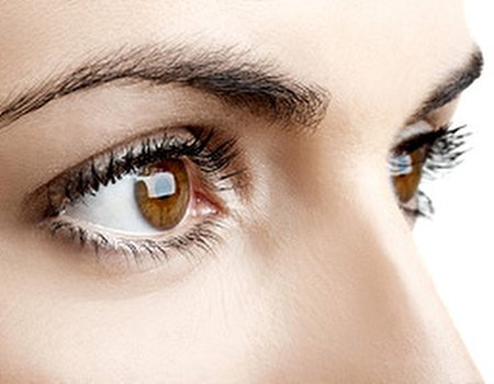 Save 62% on luscious lashes or brows that wow
