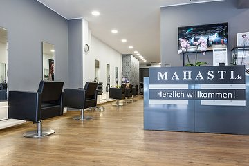 Mahasti Beauty & Hairstyle