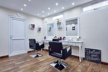 CamIres Hair Lounge