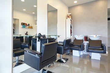 Obsessions Unisex Salon