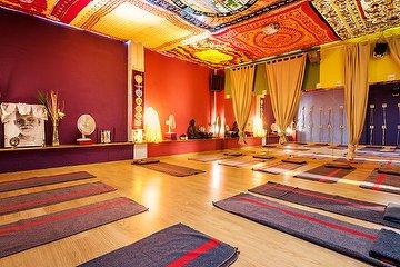 Anahata Centro de Masajes y Terapias Naturales, Cuatro Caminos, Madrid
