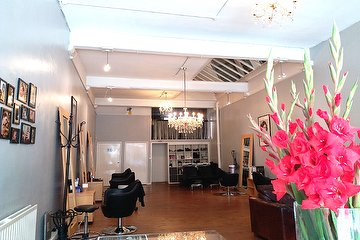 Salon 106 发型设计