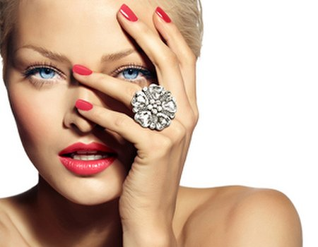 Stuck in a style rut? Time for new nails...