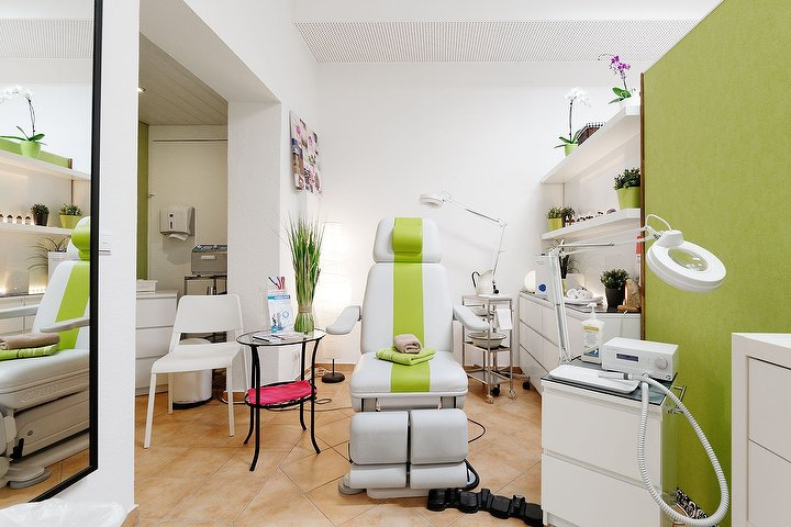 hand und f sse entspannung sch nheit kosmetikstudio in zehlendorf berlin treatwell. Black Bedroom Furniture Sets. Home Design Ideas