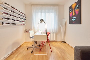 About Nails by Linda Sayson, Billstedt, Hamburg