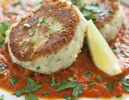 Smoked haddock fish cakes with spicy tomato sauce