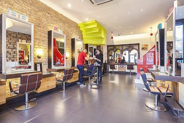 Hari's Hairdressers - Parsons Green, Fulham, London