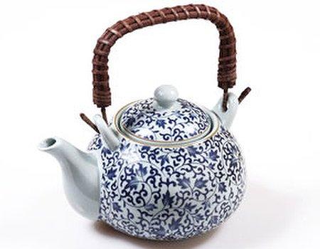 Learn the art of tea blending with antioxidant Kenyan tea