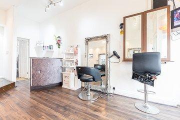 Unique Hair Lounge