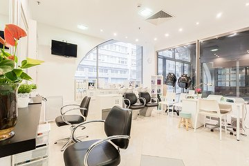 Salon Glossy Hair Spa