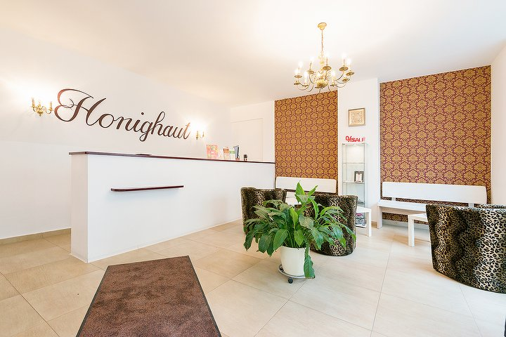 honighaut waxing studio in friedrichshain berlin. Black Bedroom Furniture Sets. Home Design Ideas