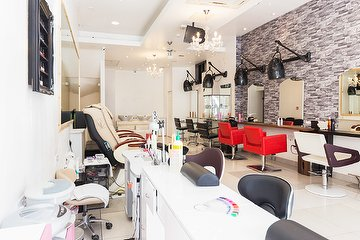 Alpha Unisex Hair and Beauty Salon
