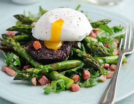 Dean Edwards' Baked British Asparagus, pancetta and black pudding salad