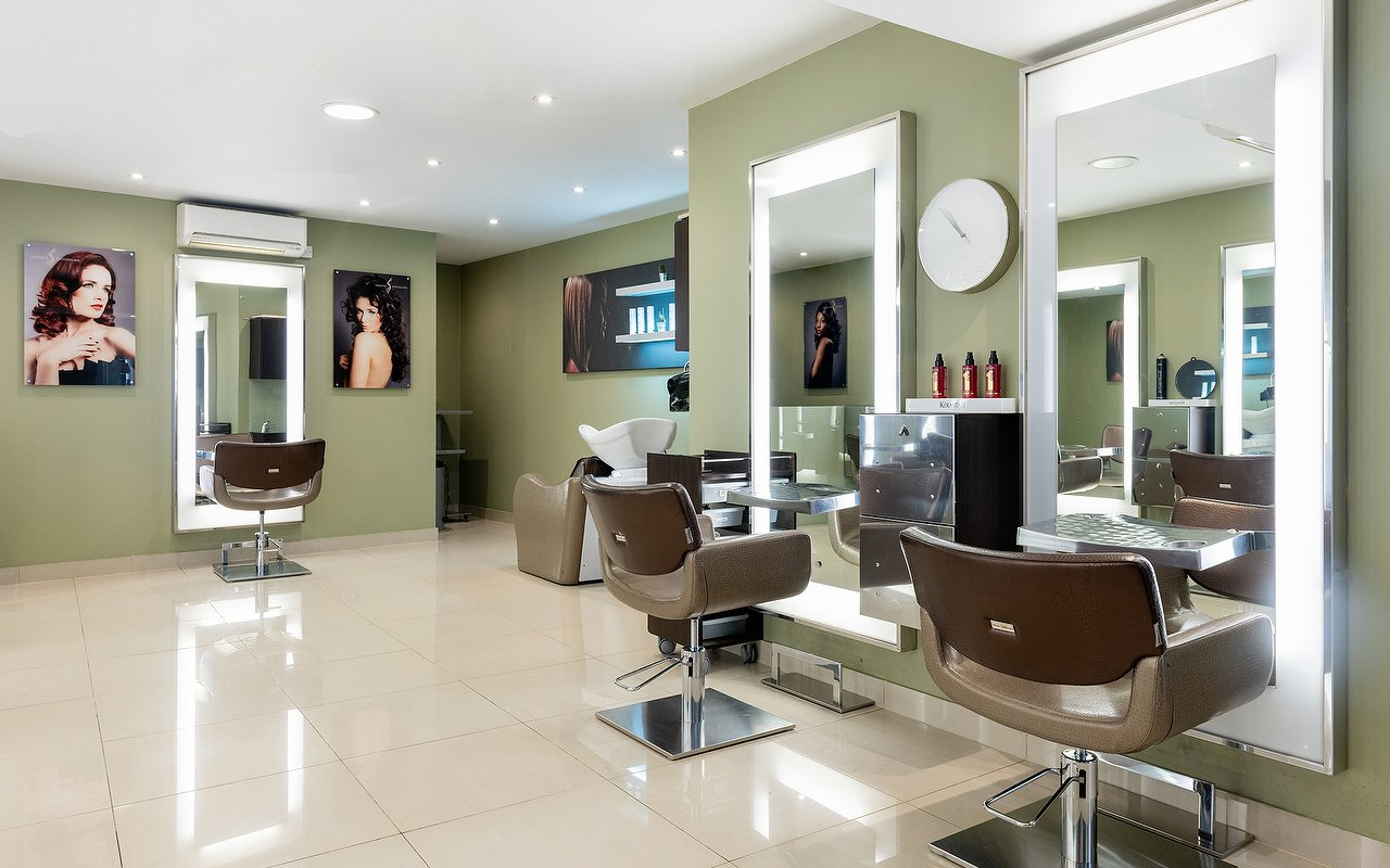 681ce4ee3b09 Top 15 places for Blow Dries in Islington