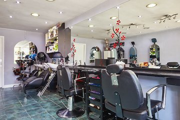 Holland Park Salon