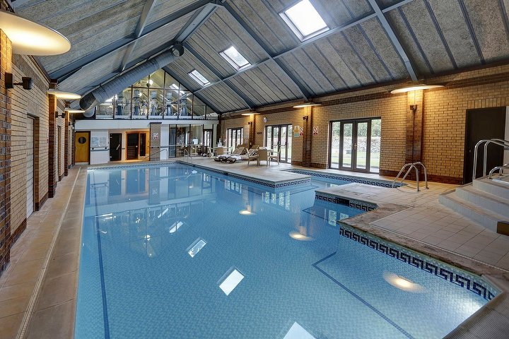 Imagine spa at knights hill hotel hotel spa in king 39 s - Hotels with swimming pools in norfolk ...
