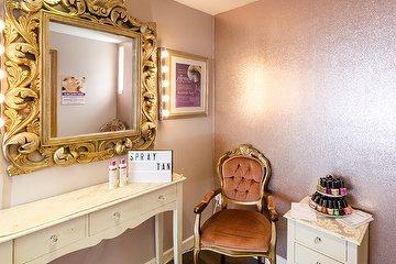 Dolly Birds Beauty Salon