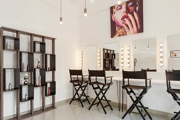 PRINZ. - Hair & Make-Up Artist | Cosmetics
