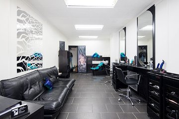 Local Hairdressing - Newham