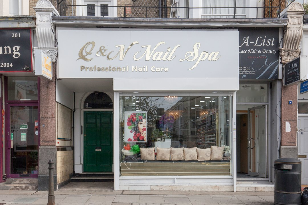 nail salons near me now