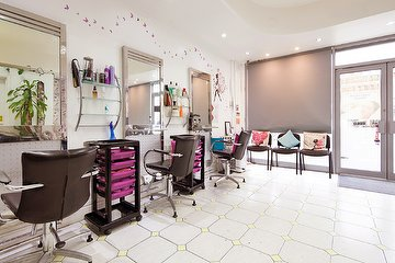 Sabs Hair & Beauty Salon