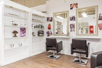 Levl Up Boutique, Beauty & Hair