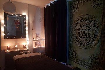 Essenzen Massages, Marx-Dormoy, Paris