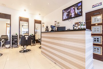 Dimple's Beauty & Spa - Hounslow
