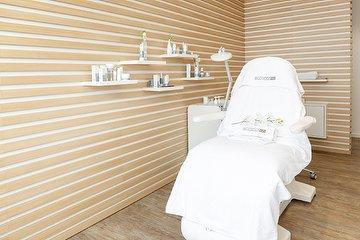 Aesthetique Beauty Lounge