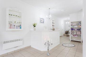 Angely beauty salon