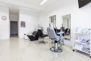 Hounslow Salon (Female Only)