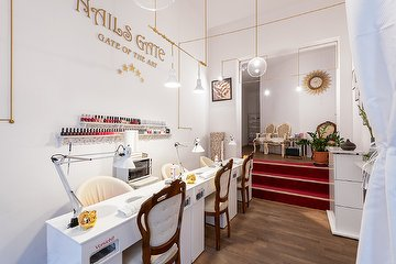 Nails Gate - Professionelles Nagelstudio & Massagen